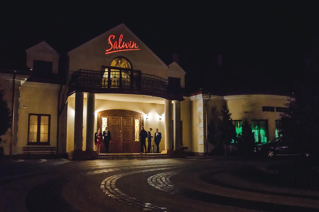 fotografia studniówkowa fotograf na studniówkę Pułtusk dom weselny Salwin