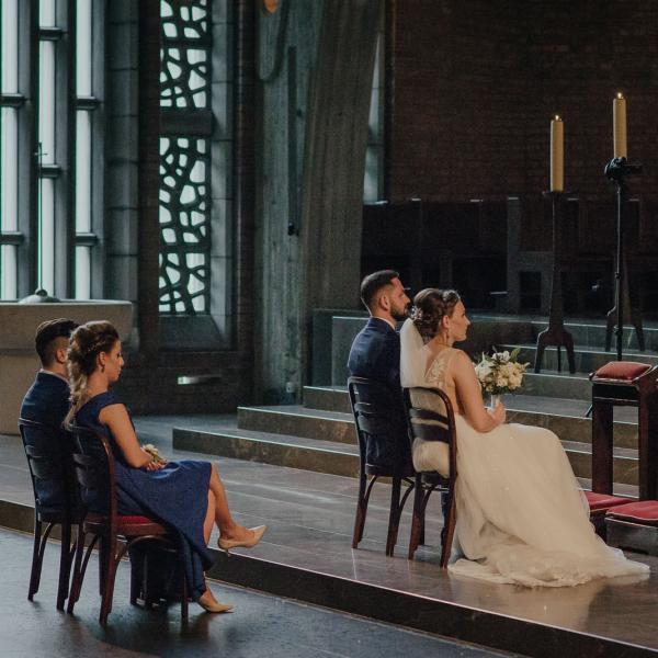 Ślub Weroniki iArtura wjednej znajpiękniejszych warszawskich świątyń