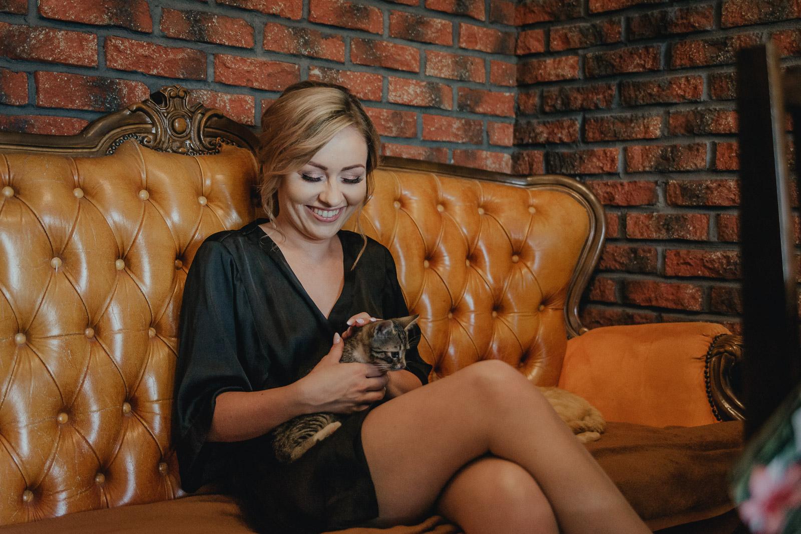Duet Fotografów Ślubnych Warszawa Fotograf Ślubny Wrocław Fotograf naWesele Pałac Nogalin Fotograf Ślubny Łuków Duet Fotografów Lublin zdjęcia ślubne Warszawa Duet Fotografów Ślubnych Wrocław kot naślubie