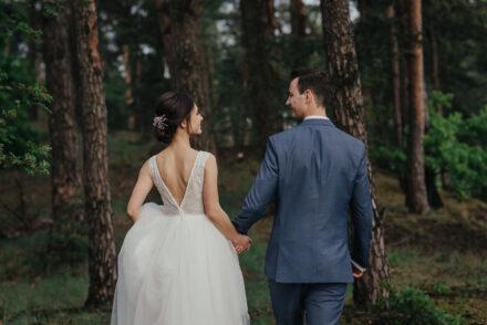 Maja iPrzemek – rustykalne wesele wDworze Hulanka